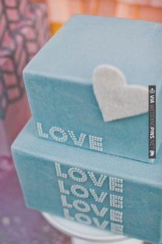 pretty blue wedding cake | CHECK OUT MORE IDEAS AT WEDDINGPINS.NET | #weddingcakes