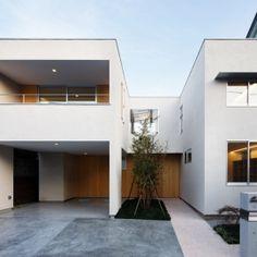 種別: 二世帯住宅 実施時期: 2012年 内容: 中庭や吹抜を介して、2世帯が程良い距離を保ちつつ、快適に暮らせる住宅です。 完全分離にせず、ほどよく空間を繋げることで、家族の気配や開放感が感じられます。 また、内部と外部を、子供やネコが行き来できる愉しい空間にもなっています。