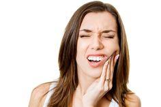 Objawy i przyczyny zapalenia dziąseł