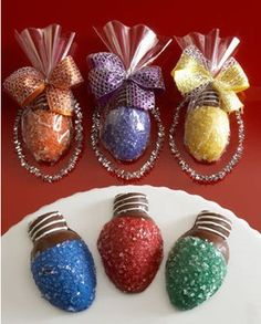 chocolate covered strawberries that look like Christmas lights : Sharing The Top Food Pics Online, TopFoodPics.com
