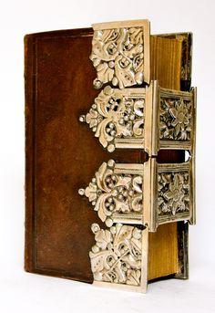 Frysian silver mounts on a Dutch Bible - anno 1870