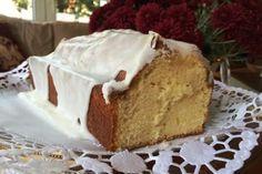 Είναι ένα ιδιαίτερα αρωματικό και νόστιμο κέικ, βουτυρένιο και λεμονάτο, που λατρεύουν όλοι όσοι έρχονται να ξεκουραστούν στην Ανεράδα, τον ξενώνα μας στο Μεγάλο Χωριό της Ευρυτανίας.
