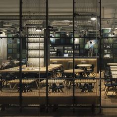 Barcelona restaurant OhBo brings together a harmonious mix of industrial and organic...  http://www.we-heart.com/2015/04/07/ohbo-barcelona/