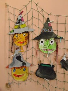 Školní družina Halloween Arts And Crafts, Fun Crafts, Diy And Crafts, Paper Crafts, Halloween Scarecrow, Fall Halloween, Halloween Party, Witch Party, Fall Projects