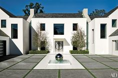 18 fountains that add sophistication and glamour at home.