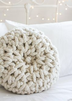 """If you haven't entered my """"Fireside Melody Cushion"""" kit giveaway with and yet, it's time to get on it! Less than for a chance to win 2 skeins of XXXL Wool and a jumbo hook - everything you need to make your very own hygge cushion (link to giveaway in bio) Crochet Round, Crochet Home, Free Crochet, Easy Crochet, Crochet Pillow, Crochet Stitches, Crochet Cushions, Crochet Blankets, Hopeful Honey"""