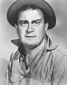You Can't Take It With You featuring Dub Taylor as Ed Carmichael. Hollywood Men, Old Hollywood Stars, Classic Hollywood, Leader Movie, Actor Secundario, Classic Movie Stars, Classic Movies, Western Movies, Western Film