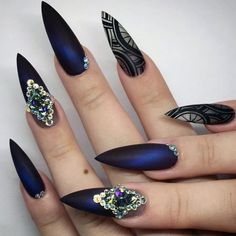 Are you brave enough to try stiletto nails? They are all the rage at the moment. Here are 27 totally sexy looks for you to try this season!