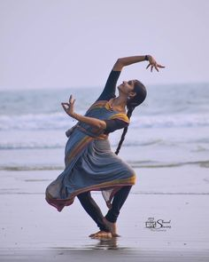 Dancer Photography, Portrait Photography, Indian Classical Dance, Tamil Girls, Dance Poses, Beautiful Women Pictures, Most Beautiful Indian Actress, Just Dance, Female Portrait