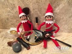 Elf on the Shelf: Bubbles and Coco Get Dolled Up