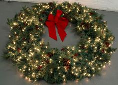 """FRONTGATE Huge 60"""" Christmas Classic Artificial Christmas Wreath Clear Lights"""