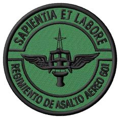 asalto-aereo-601-insignia-original-ejercito-argentino-4099-MLA131853481_7389-F.webp (917×915)
