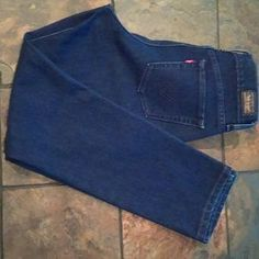 I just added this to my closet on Poshmark: Levi's Perfectly slimming 512 Skinny Jeans. Price: $12 Size: 8