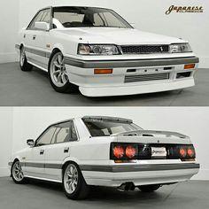 1988 Nissan Skyline GT-S R31 sedan