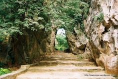 marble mountains of vietnam | marble mountains vietnam is one of the most exotic place in vietnam it ...