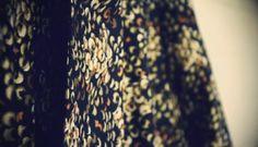 Vaatelahjoitus kaatikselle Fabric Yarn, How To Dye Fabric, Fabric Dyeing Techniques, Shibori Tie Dye, Boro, Color Of Life, Tye Dye, Creative Crafts, Sequin Skirt