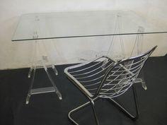 bureau et treteaux de philipe chevergny plexiglas mobilier 3615 design
