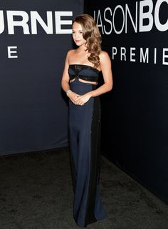 Pin for Later: Thanks to Alicia Vikander, This Sexy Old Dress Trend Is Born Again  Alicia's navy and black Louis Vuitton look wasn't vibrant in color, but it was eye-catching in style thanks to two slashes at the midriff.