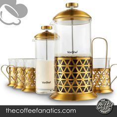 PROFESSIONAL & STYLISH COFFEE Create the proper coffee with this fantastic 6 piece coffee kit. Comprises French Press cafetiere plus milk frother and 4 X borosilicate glass cups 8 CUP CAPACITY - 1 liter / 34 fl oz - made up of heat resistant borosilicate glass with an on-trend brushed gold stainless-steel frame with elegant brushed gold detailing to the body Copper French Press, Best French Press Coffee, Stainless Steel French Press, Coffee Milk, Last Minute, Barista, Espresso Machine, Gold, Cups