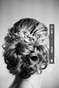 hair do for the fucking bride (heheh she doesnt know about this). awkward maybe my hair do for the maid of honour. Wedding Hairstyles With Veil, Wedding Updo, Bride Hairstyles, Pretty Hairstyles, Bridal Updo, Wedding Hair And Makeup, Hair Makeup, Bridal Hair Inspiration, Hair Dos