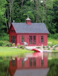 Granny pods prefab A Kloter Farms shed doesnt just have to be used as storage. How about for a retreat, a guest house, or entertaining Barn Pool, Backyard Barn, Backyard Cottage, Backyard Sheds, Shed Design, Tiny House Design, Red Houses, Barn Houses, Tiny Houses