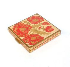 Vintage Volupte enamel Poppy compact signed Gaige This exquisite vintage compact is very rare! It has an all over design, it is signed and it Lipstick Case, Lipstick Holder, Vintage Makeup, Vintage Vanity, Vintage Purses, Vintage Vogue, Poppies, Enamel, Just For You