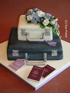 Suitcase wedding cake =p