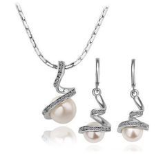 Freshwater pearl 18K GP dangle earrings and pendant necklace jewelry set with rhinestones