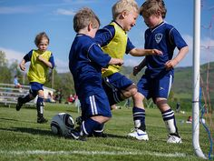 How To Keep #Kids From Getting #Distracted During A #Soccer #Practice #TsiSports #Team360apps