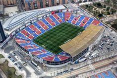 Estadio Ciudad de Valencia o Estadi Ciutat de València, Valencia, España Capacidad 26.354 espectadores. Estadio Categoría 2 de la UEFA
