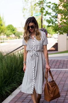 [New] The 10 Best Home Decor (with Pictures) - Linda Modest Dresses, Simple Dresses, Casual Dresses, Summer Dresses, Picnic Outfits, Dress Outfits, Fashion Dresses, Striped Dress Outfit, Stripe Dress