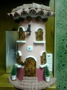 sandylandya@outlook.es  Teja decorada con pasta de modelar