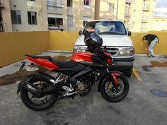 #Moto #Bajaj #PulsarNs200 y #Ford #Explorer enn #Bogota #Colombia