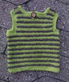 Babyvest af garnrester. Babyvest made of yarn leftovers!! Egen opskrift.  My own recipe. #babyvest  #crocheting  #crochetbaby #crochetsweater #crochetclothing #hæklerier #hækling #hæklet #hækle #crochet #crochetbabystuff #crochetaddict #crochet by thecrookedhook.dk