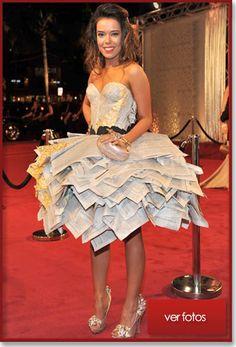 Beatriz Luengo, creativa en su vestido y propositivo en cuestión reciclaje......