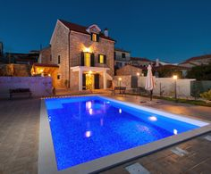 Gorgeous Dalmatian Stone House with Pool for 6 Persons in the Island of Solta - villascroatia.net