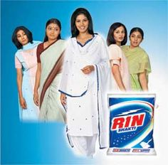 A successful washing powder ad always has women who are responsible for clothes. Tried and tested formula for years. #rin #women+clothes=OTP