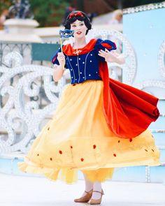 Disney Princess Snow White, Snow White Disney, Disney And More, Disney Love, Disney And Dreamworks, Disney Pixar, Snow White Fairytale, Walt Disney Pictures Movies, Potato Girl