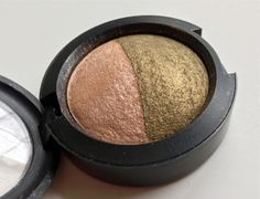 Eye Shadow - MAC - Mineralize Duo - Bright Side Gallery Gal. Limited edition. Mineralize collection Fall 2008.  Peach half used moderately; olive half barely touched.