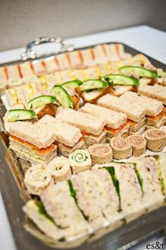 38 Tea Sandwiches That Are Tiny, but Delicious . - - 38 Tea Sandwiches That Are Tiny, but Delicious … Appetizers 38 Tee-Sandwiches, die winzig, aber lecker sind … Tapas, Snacks Für Party, Tea Party Foods, Party Trays, Tea Party Recipes, Parties Food, Lunch Party Ideas, Fancy Party Food, Tea Party Desserts