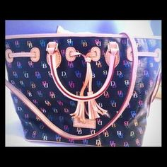 I just discovered this while shopping on Poshmark: Dooney & Bourke handbag / purse crossbody. Check it out!  Size: Large