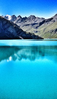 The Moiry lake in Grimentz... beautiful water in Val d'Anniviers