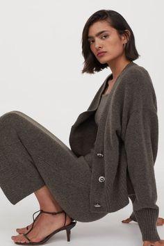 Most Stylish Sets | 2021 Fashion Art, Girl Fashion, Fashion Ideas, Calf Length Skirts, Knit Pencil Skirt, Pencil Skirts, Knitted Coat, Cable Knit Cardigan, Fall Clothes
