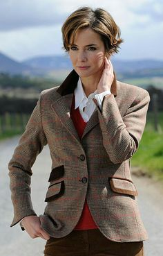 House of Bruar Ladies Velvet Trim Tweed Jacket from House of Bruar Mode Country, Country Wear, Country Outfits, Country Chic, English Country Fashion, English Style, Tweed Run, Tweed Jacket, Tweed Blazer