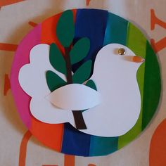 Lavoretto di Pasqua 2016 realizzato dai bimbi della scuola dell'infanzia. Easter Crafts, Crafts For Kids, Peace Crafts, World Peace Day, Paper Quilling, Art Activities, Kids Cards, Independence Day, Happy Easter