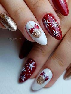 Christmas Gel Nails, Xmas Nail Art, Christmas Nail Art Designs, Holiday Nails, Christmas Holiday, Christmas Girls, Christmas Trees, Gold Glitter Nails, Cute Acrylic Nails