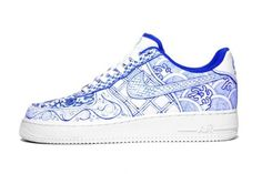 Blue Porcelain Print Nikes:  yes, please!