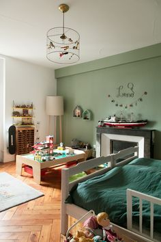 Stéphanie Zwicky, Lino 7 and Alba 4 years old - The Socialite Family 4 Year Old Boy Bedroom, Socialite Family, Create A Family, French Countryside, Bedroom Green, Modern Kids, Boy Room, Kids Room, Dreams