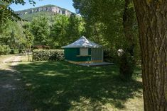 Camping Saint-Lambert in Millau (Aveyron), Frankrijk | Zoover Camping France, Saint, Gazebo, Outdoor Structures, Plants, Kiosk, Pavilion, Plant, Cabana