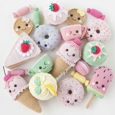 Вязаные сладости от @pinky_pinky_blue